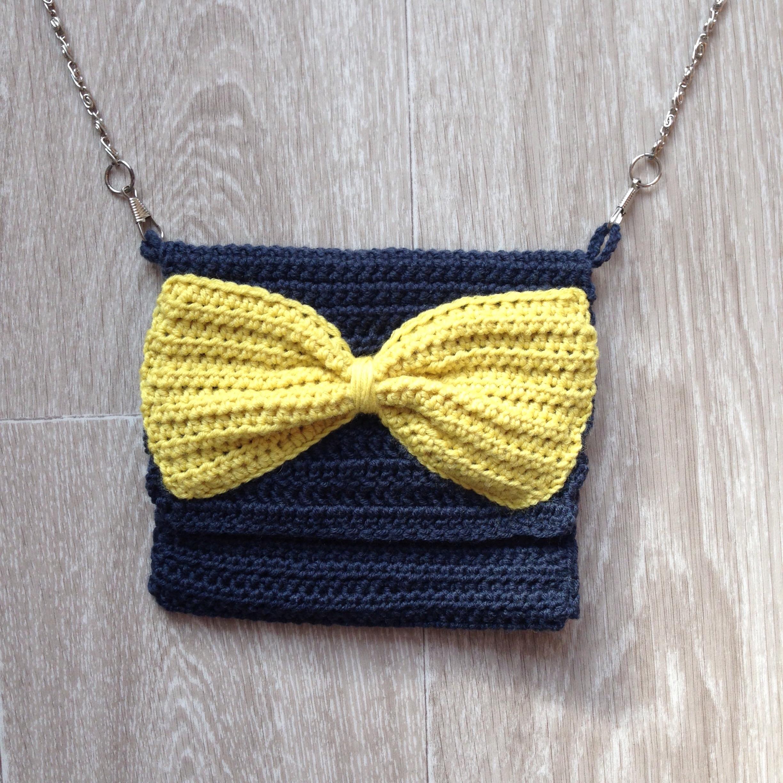 tuto ma petite pochette au crochet le blog de caro tricote. Black Bedroom Furniture Sets. Home Design Ideas
