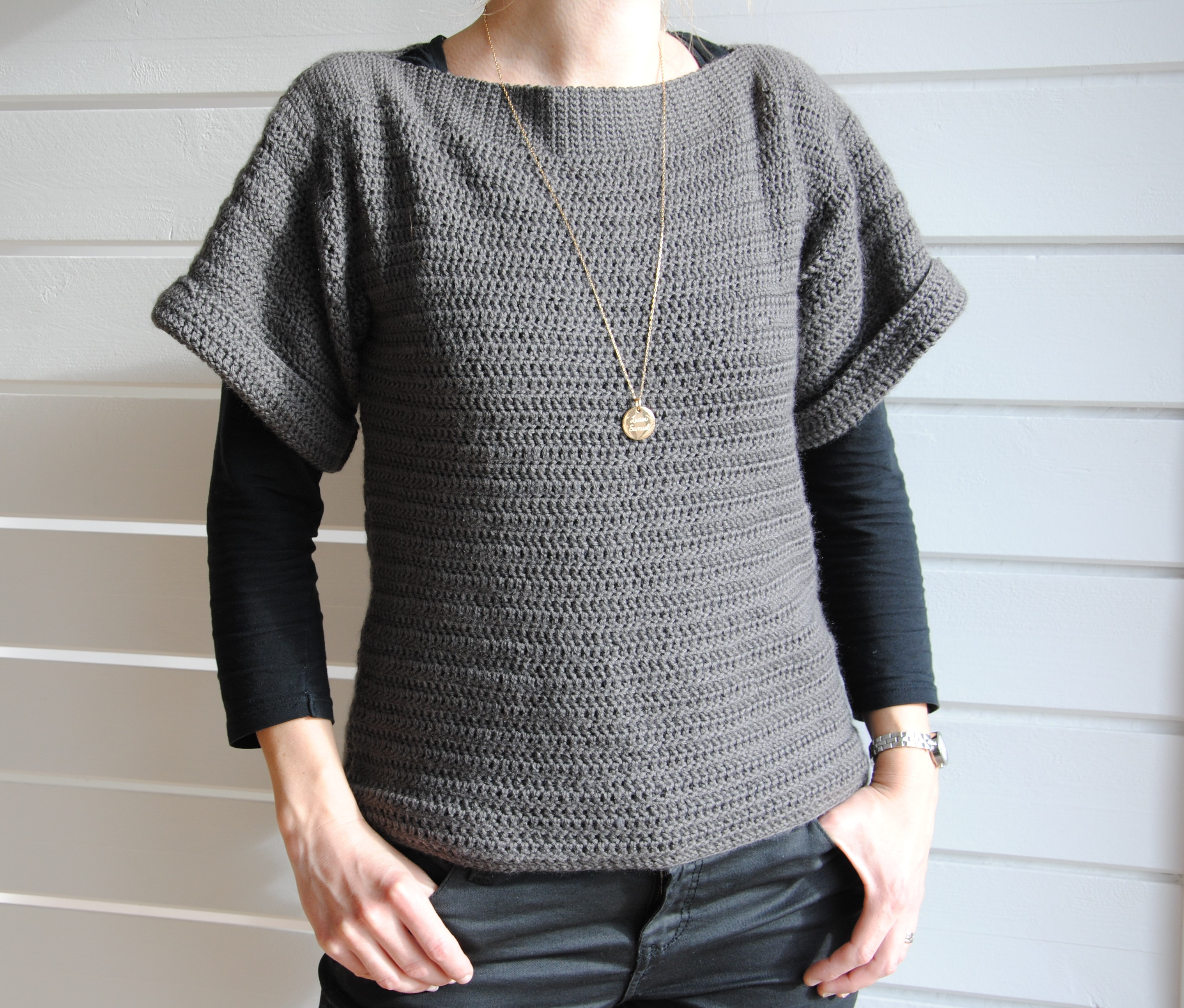 tuto un pull en crochet tr s facile dos ajour le blog de caro tricote. Black Bedroom Furniture Sets. Home Design Ideas
