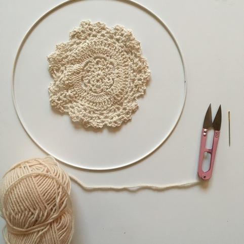 Tuto un attrape r ve laine et v g tal le blog de caro tricote - Attrape reve crochet ...